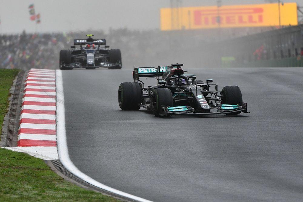 """Hamilton: """"J'aurais dû rester en piste ou rentrer bien plus tôt"""""""