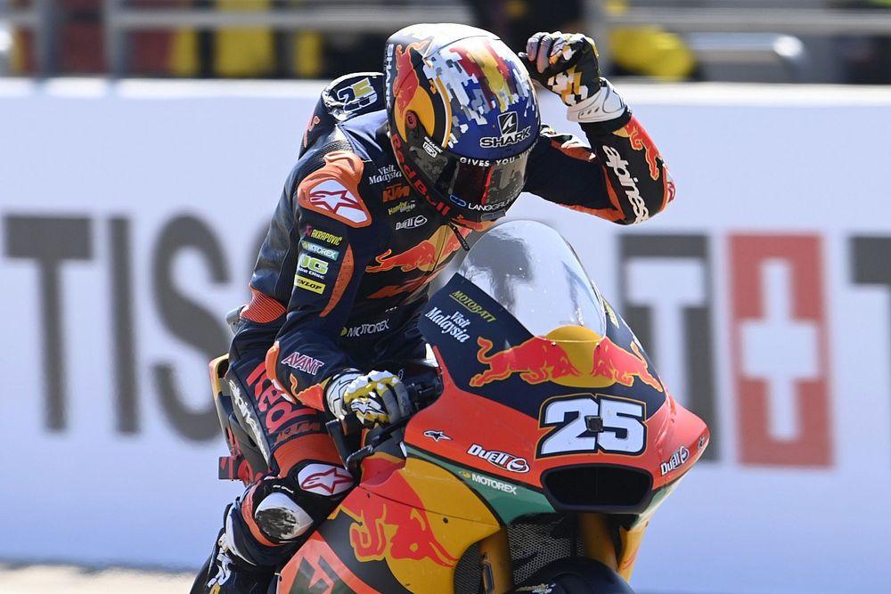 Malgré une main cassée, Raúl Fernández domine le GP d'Aragón
