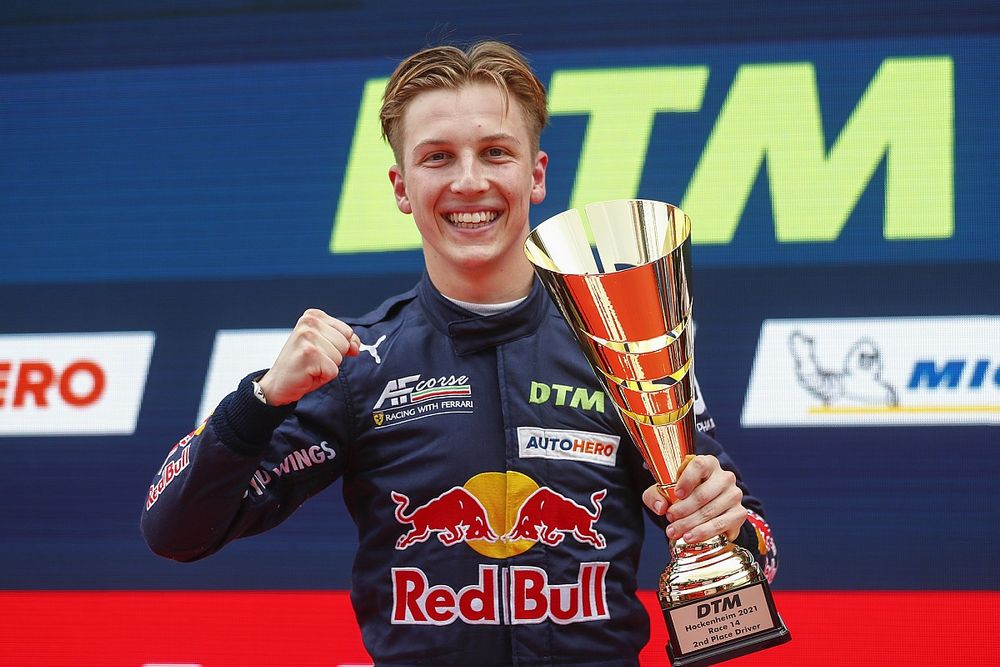 Can Red Bull's Lawson capitalise on rookie DTM title chance?