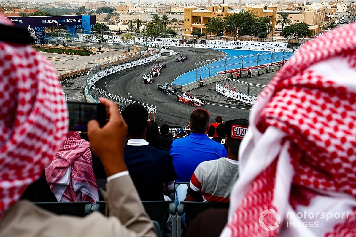 السعودية تتأهب لريادة العالم في رياضة السيارات... الجزء الأول