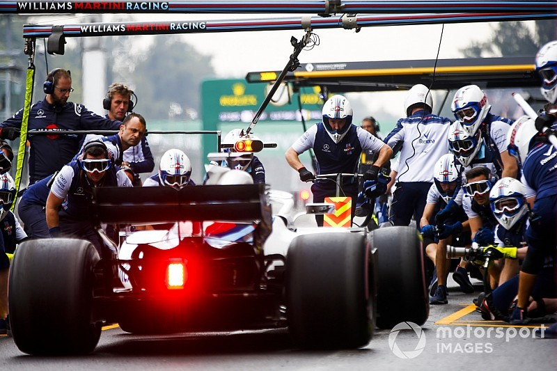 "Williams fined for ""endangering"" pit crew"