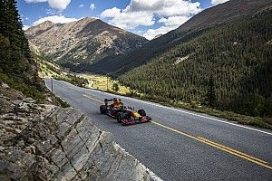 Из Колорадо в Майами на машине Ф1: Ферстаппен путешествует по США