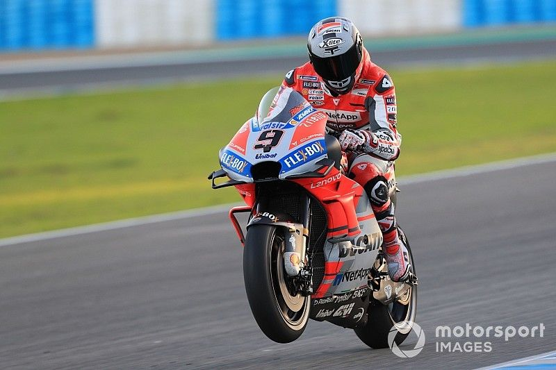 Petrucci lidera en Jerez y Dovizioso se cae tratando de evitarlo