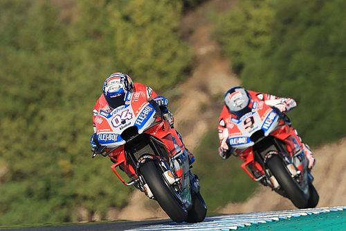 Ducati in Jerez: Andrea Dovizioso stürzt, Danilo Petrucci fährt Bestzeit