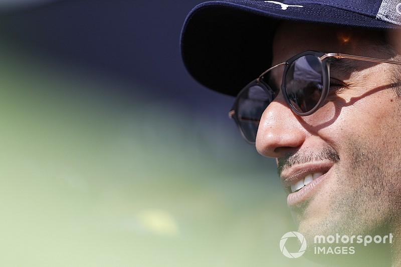 """Ricciardo no cree que exista algo """"errático"""" en el manejo de Vettel"""