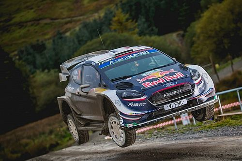 Wales WRC: Ogier takes 4s lead into final day