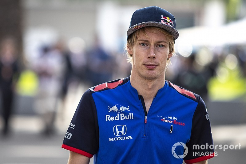 Hartley realised he needed to defend himself