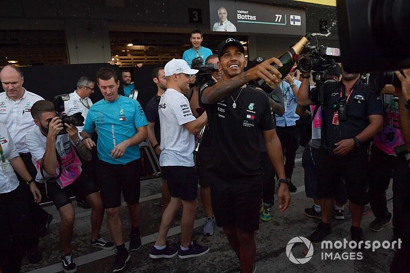 Hamilton káromkodva kommentálta Vettel újabb balesetét Japánban