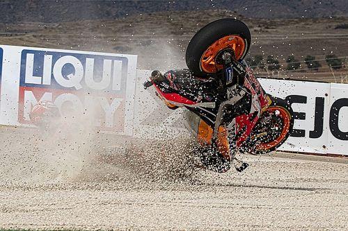 Фотогалерея: падение Маркеса на тренировке в Арагоне