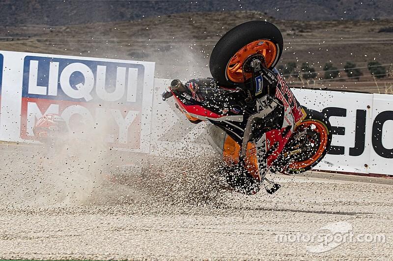 Fotogallery MotoGP: la sequenza della caduta di Marquez nella FP2