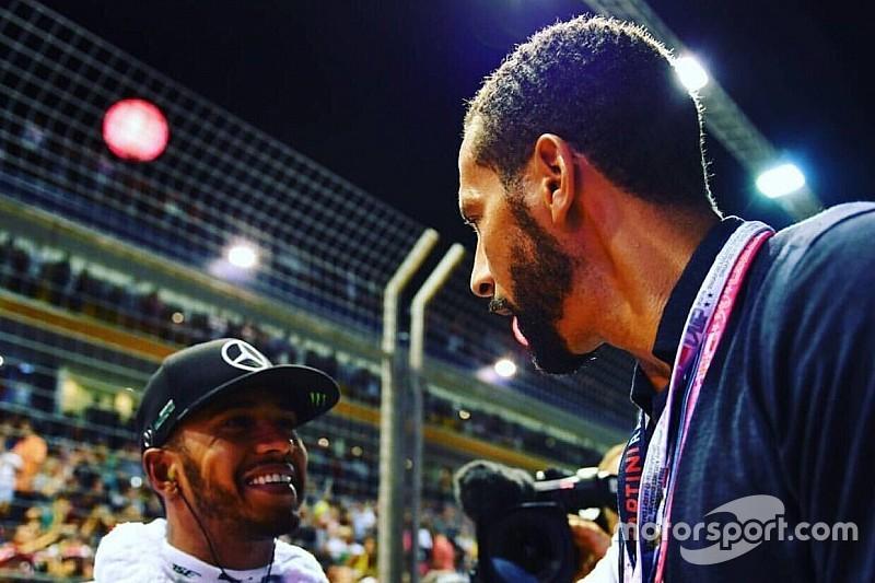 Lenda do futebol inglês vê tom racista em críticas de britânicos a Hamilton