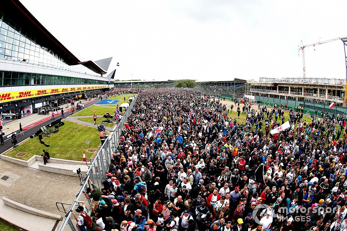 Hamilton, Silverstone, polícia inglesa reforçam pedidos para que fãs evitem GP da Grã-Bretanha