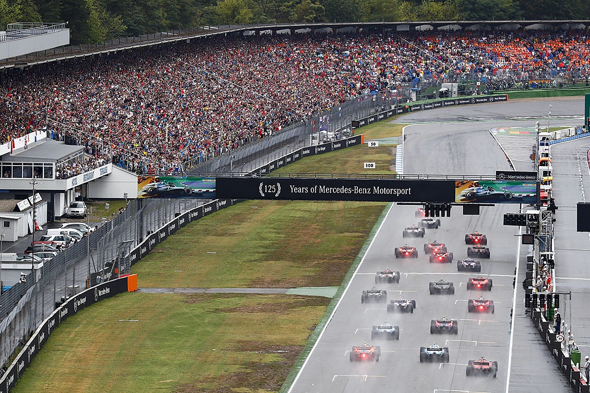 В Хоккенхайме пилоты Ф1 впервые стартовали по-новому. FIA рассказала, как принимались ключевые решения
