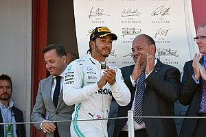 Garoto prestes a morrer por câncer ganha Mercedes e troféu de Hamilton do GP da Espanha de F1