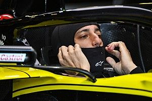 "Renault ontevreden na ""onsamenhangende vrijdag"" in Baku"