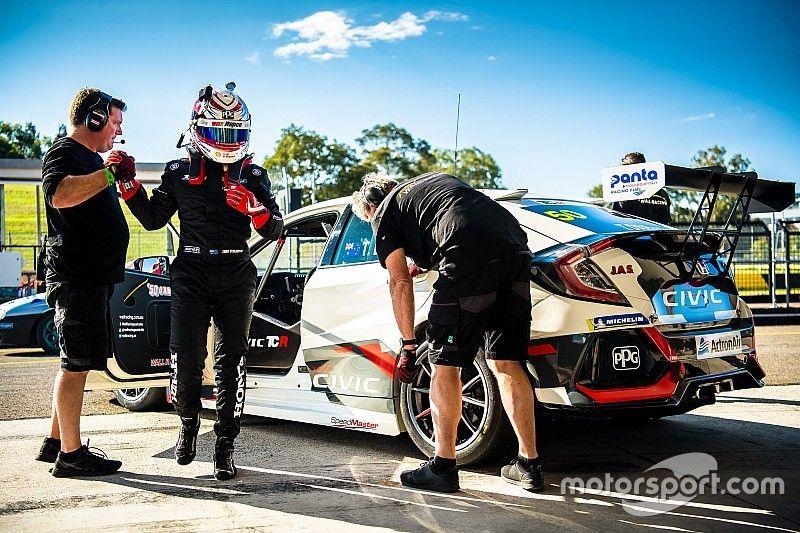 Sydney TCR: D'Alberto becomes first Aussie series polesitter