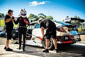 Sydney TCR: D'Alberto becomes first Aussie series polesitter