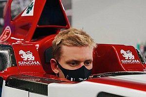F1, Alfa Romeo: Mick Schumacher ha fatto il sedile per la C39