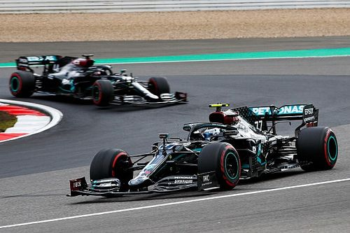Bottas Hamilton előtt Portugáliában, estek-keltek a versenyzők