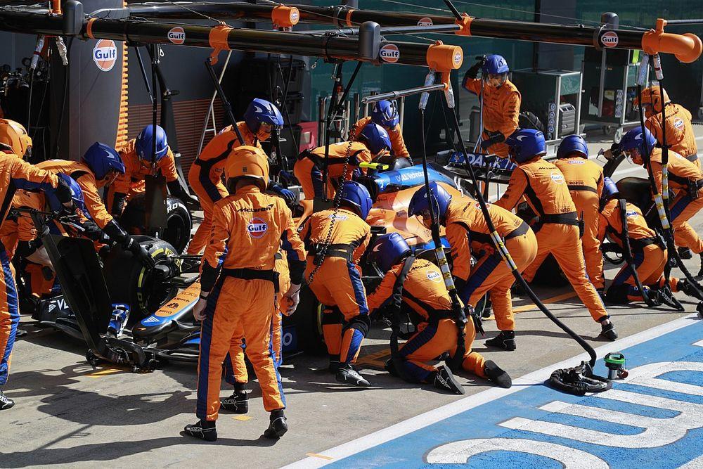 """Norris neemt team mislukte stop niet kwalijk: """"Ze werken keihard"""""""