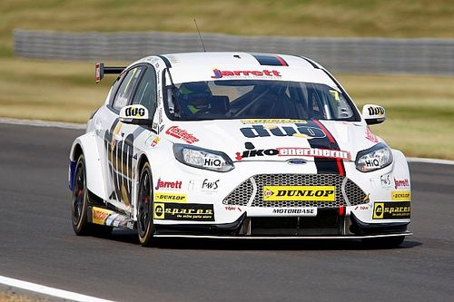 Snetterton BTCC: Jackson wins shortened Race 2 after opening-lap crash