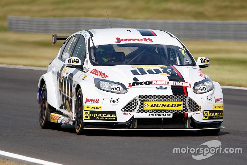 Snetterton BTCC: Jackson wins shortened Race 2 after opening-lap crash