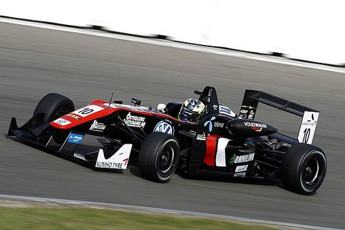 Masters of F3: Eriksson leads Motopark 1-2-3