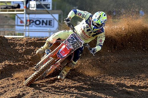 Tim Gajser batte Tony Cairoli nelle qualifiche in Lettonia