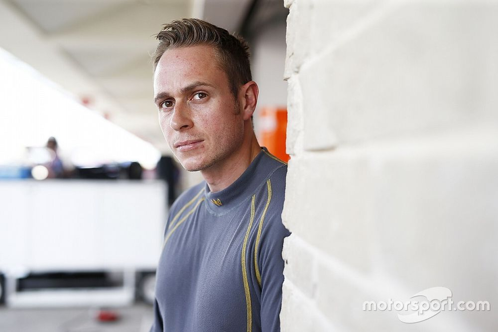 Carroll joins NIO as reserve FE driver