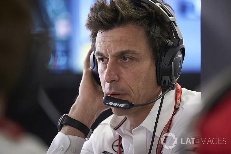 """Wolff: """"Quante ca...te! Non abbiamo influenzato Pirelli e FIA sulle gomme!"""""""