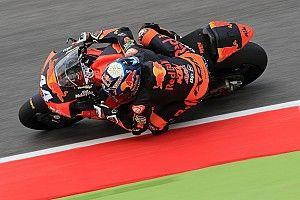 Moto2ムジェロ決勝:オリベイラ10人抜き優勝。四つ巴の大激戦を制す