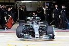 Формула 1 Галерея: новий Mercedes W09 на трасі