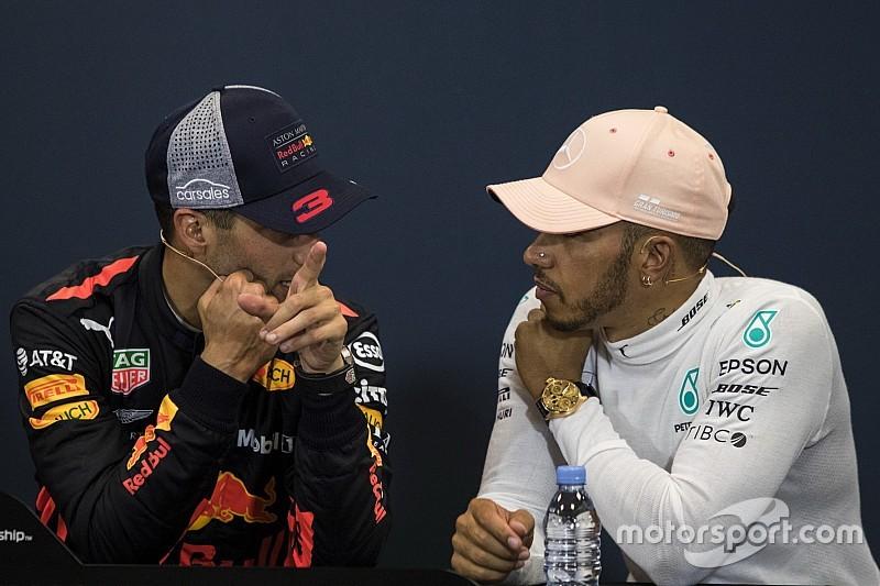 "Hamilton salue le choix ""risqué"" d'un Ricciardo ""courageux"""