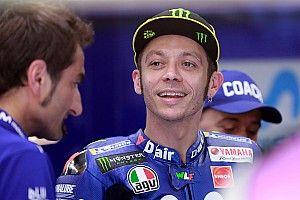 """Rossi: """"Con la Yamaha de 2018 vamos a sufrir menos que el año pasado"""""""
