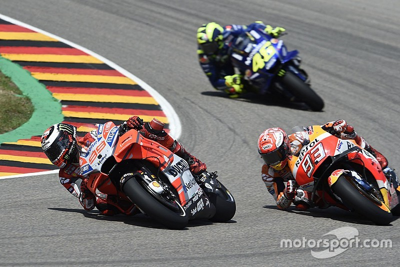 MotoGP riders call for longer summer break