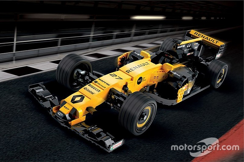 600 ezer LEGO-kockából építettek F1-es autót