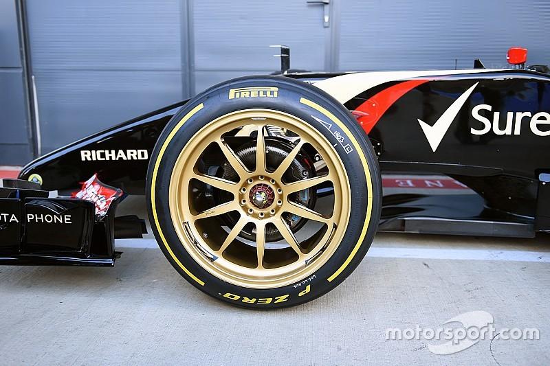 Pronta la mule-car Renault per i test con le Pirelli da 18''