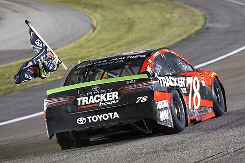 Чемпионская команда NASCAR закроется из-за нехватки денег