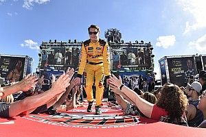 Landon Cassill joins StarCom Racing for Martinsville