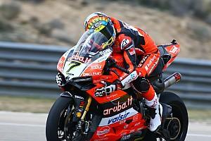 World Superbike Crónica de Carrera Chaz Davies gana el pulso a Rea en Aragón