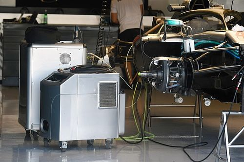 Mercedes: sostituita la pompa della benzina sulle sei F1 fornite dalla Stella