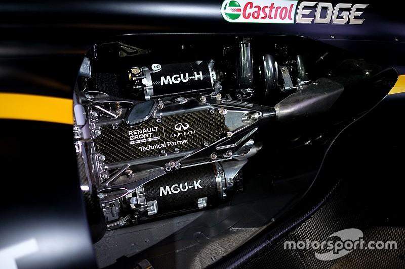В Renault решили «придушить» моторы в первых гонках