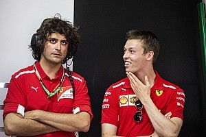 Dapat manajer baru, Kvyat selangkah lagi perkuat Toro Rosso