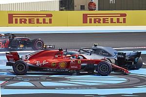 Vettel egyszerűen nekiment és kilökte Bottast a rajtnál: videó