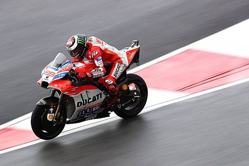 Lorenzo, Ducati gösterge tablosundaki talimatı görmediğini iddia etti