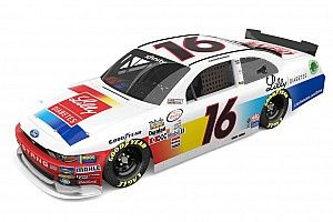 Ryan Reed's Darlington throwback gets assist from Sam Bass