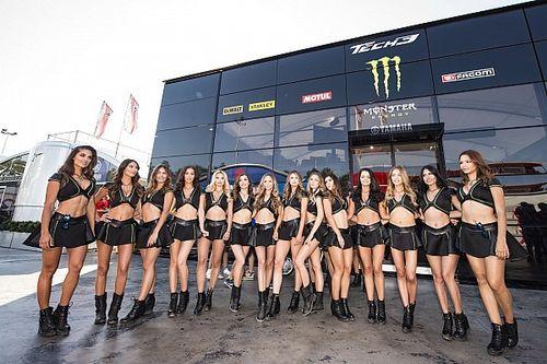 Fotogallery: MotoGP vs F.1, chi vince la battaglia delle grid girl?