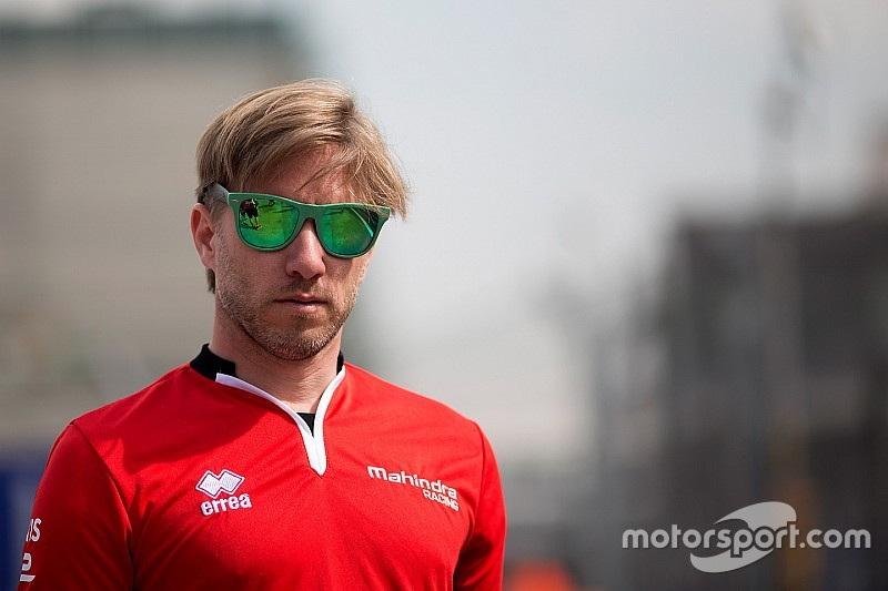 Prost and Heidfeld at odds over Mexico crash
