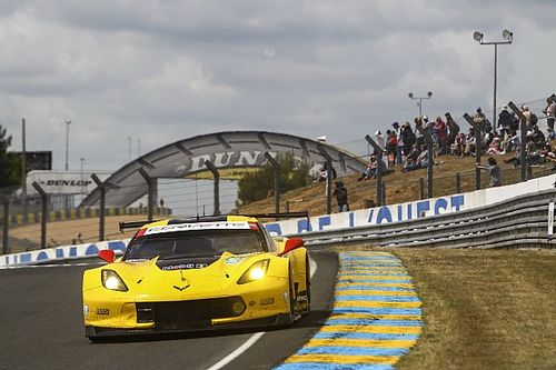 Le Mans testlerinde lider olan Corvette'in gücü azaltıldı