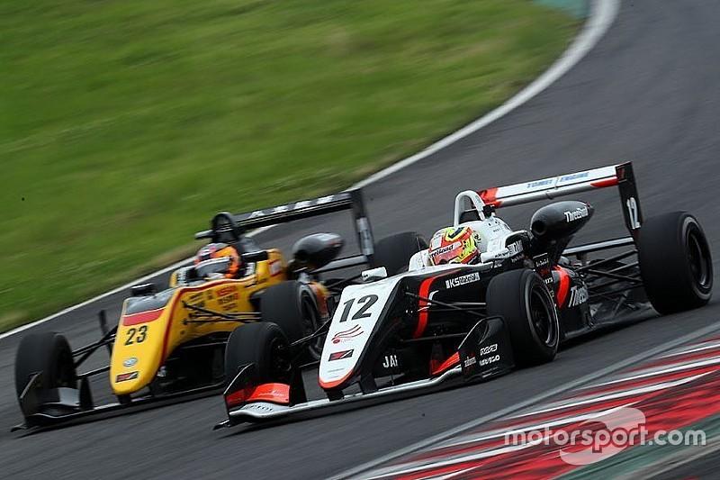 Alex Palou sigue pisando el podio en la F3 Japonesa